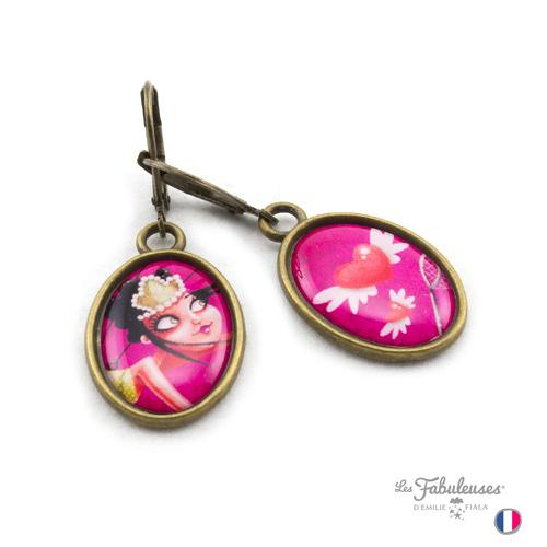 Boucles-oreilles-Les-Fabuleuses-laiton-Attrappe-Coeurs-profil-Emilie-Fiala