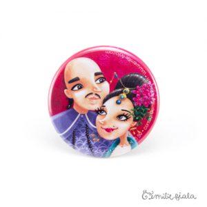 Petit badge A nos Amours face Emilie Fiala