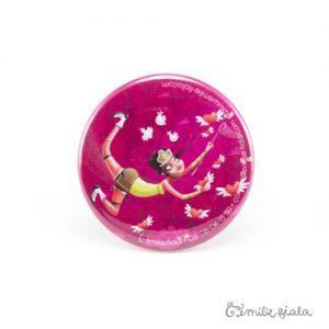 Petit badge L'Attrape-Coeurs face Emilie Fiala