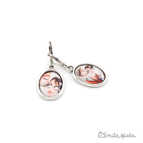 Petites boucles d'oreilles simples argenté La Farandole profil Emilie Fiala