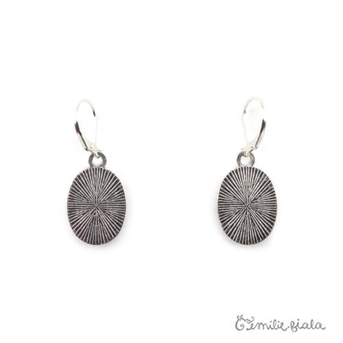 Petites boucles d'oreilles simples argenté dos Emilie Fiala
