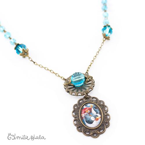 Collier créatif Bleu Givré médaillon Emilie Fiala