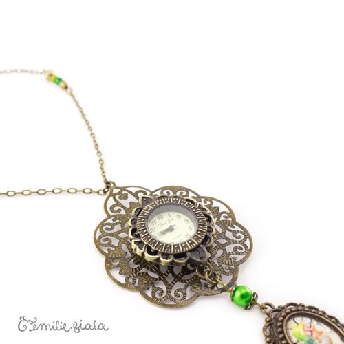 Collier créatif Five O Clock médaillon Emilie Fiala
