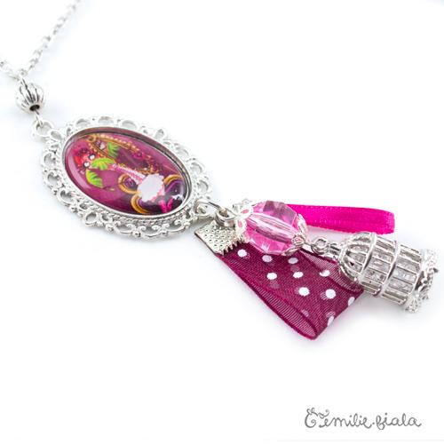 Collier créatif Le Flamant Rose médaillon Emilie Fiala