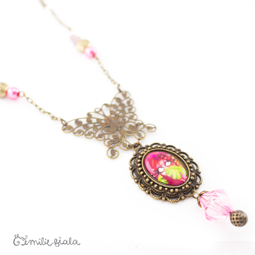 Collier créatif Pink Lady médaillon Emilie Fiala
