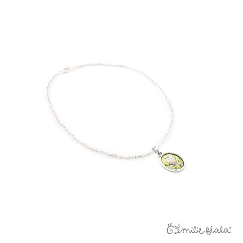 Petit collier simple La Chouette argenté profil Emilie Fiala