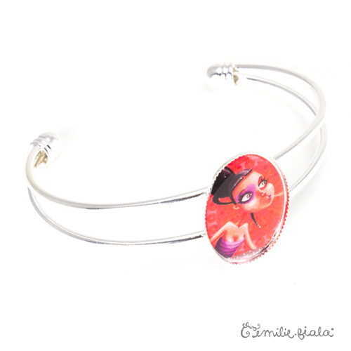 Bracelet simple La Mystérieuse argenté profil Emilie Fiala