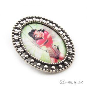 Broche La Gardienne du Coeur Rouge argentée profil Emilie Fiala