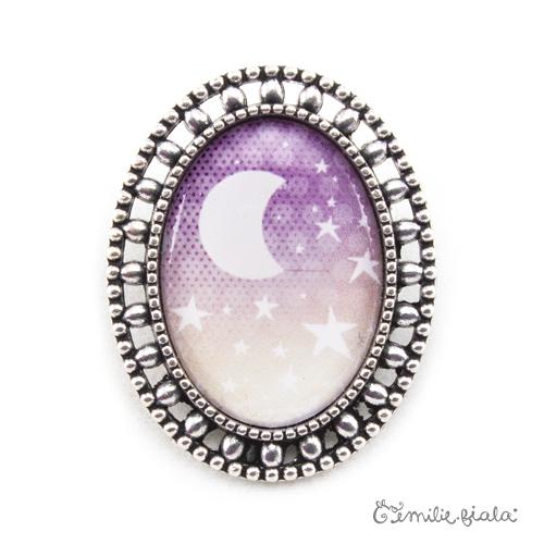 Broche La Lune Étoilée argentée face Emilie Fiala
