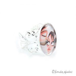 Petite bague Le Bisou argentée profil Emilie Fiala