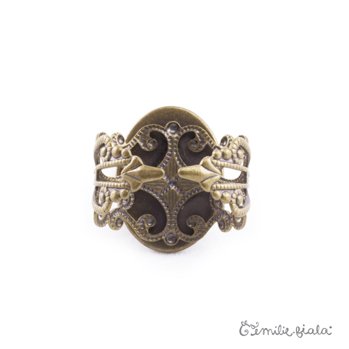 Petite bague bronze antique Dos Emilie Fiala