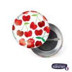 Badge-37mm-Les-Parisiennes-Cherry-Emilie-FIALA